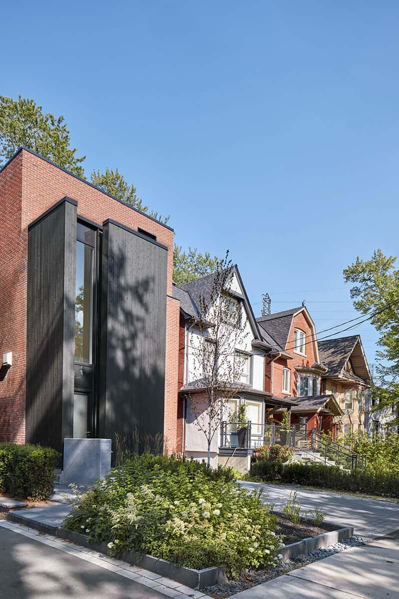 Luxury Custom Home Builders and Renovators in Toronto - 1647-003